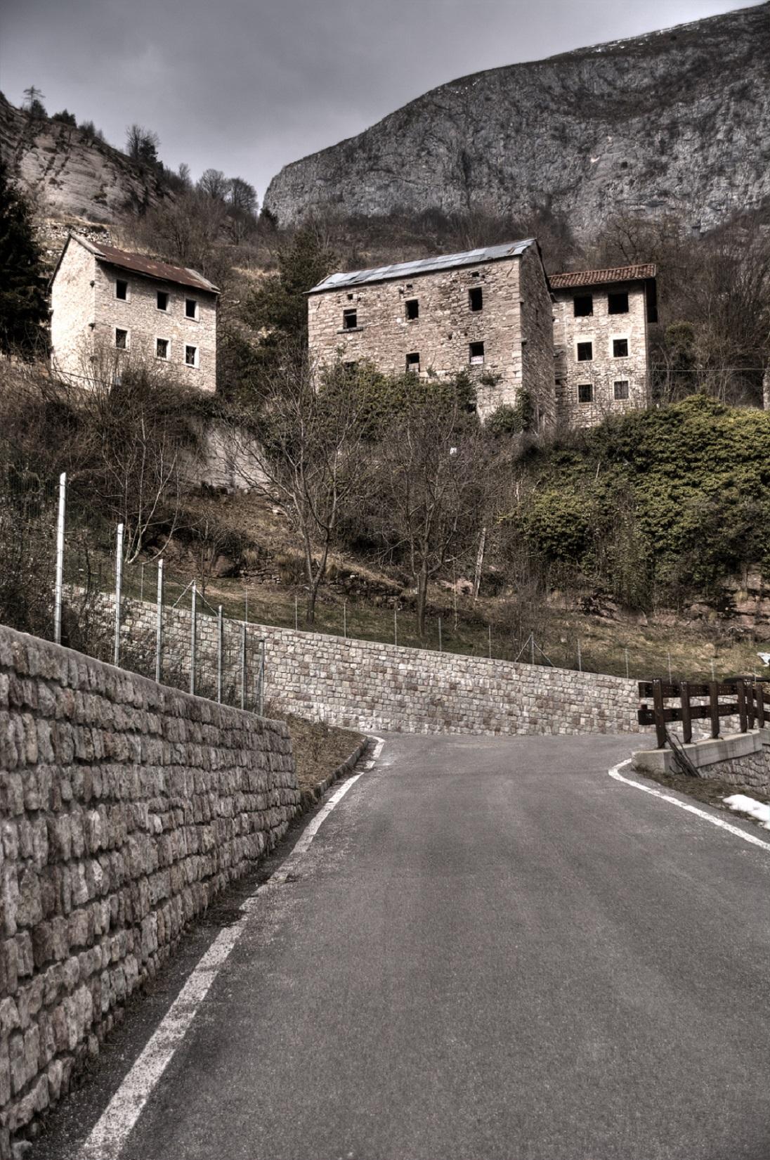 Il paese di Casso, Dolomiti Contemporanee
