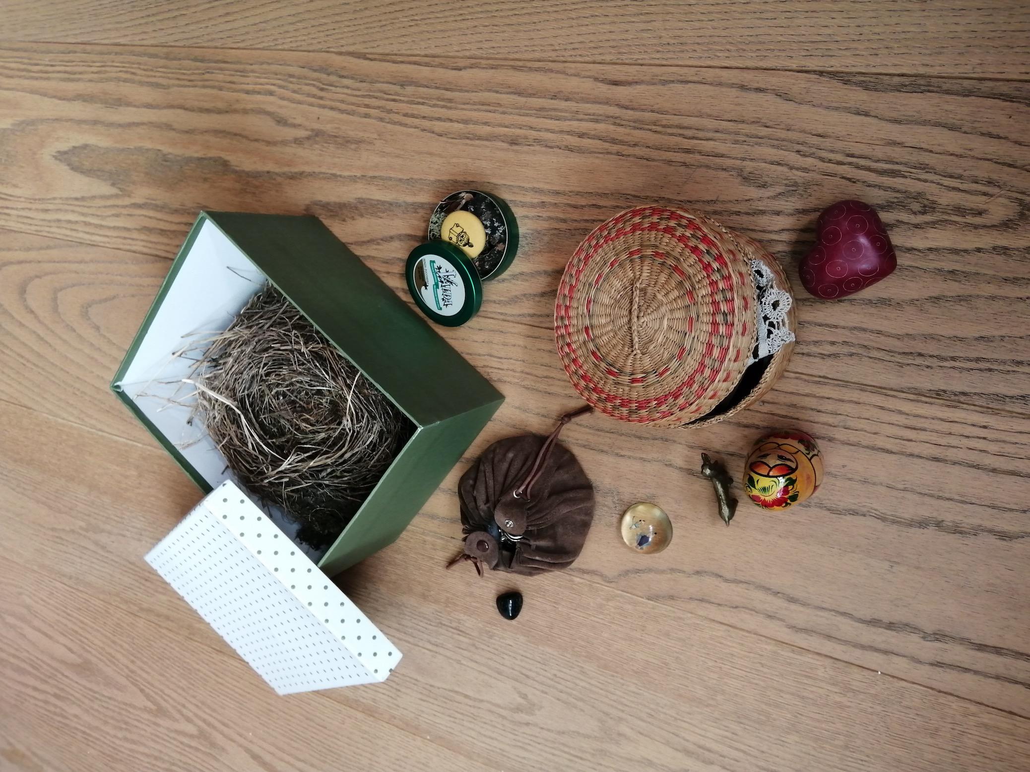 oggetti, scatole, laffi