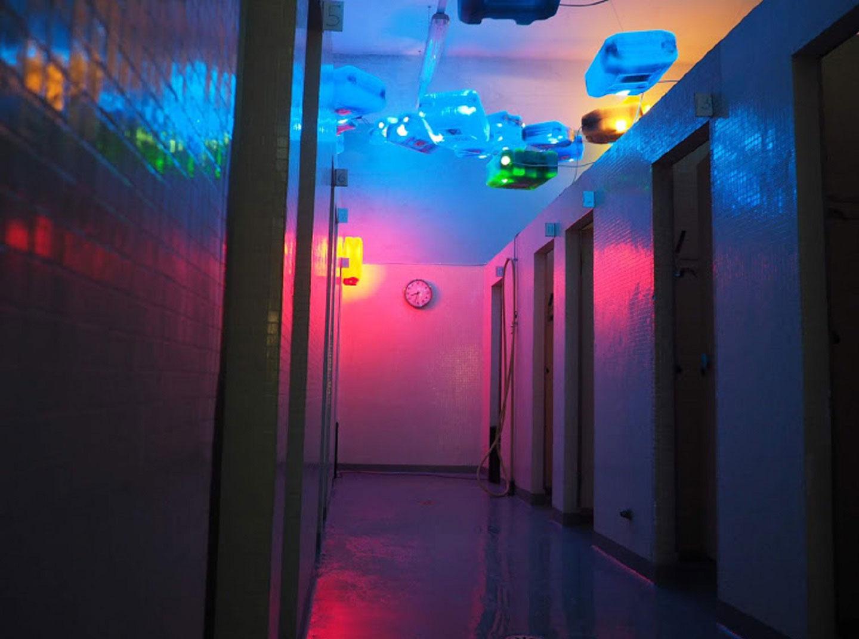 installazione-artistica-nelle-docce-per-artissima